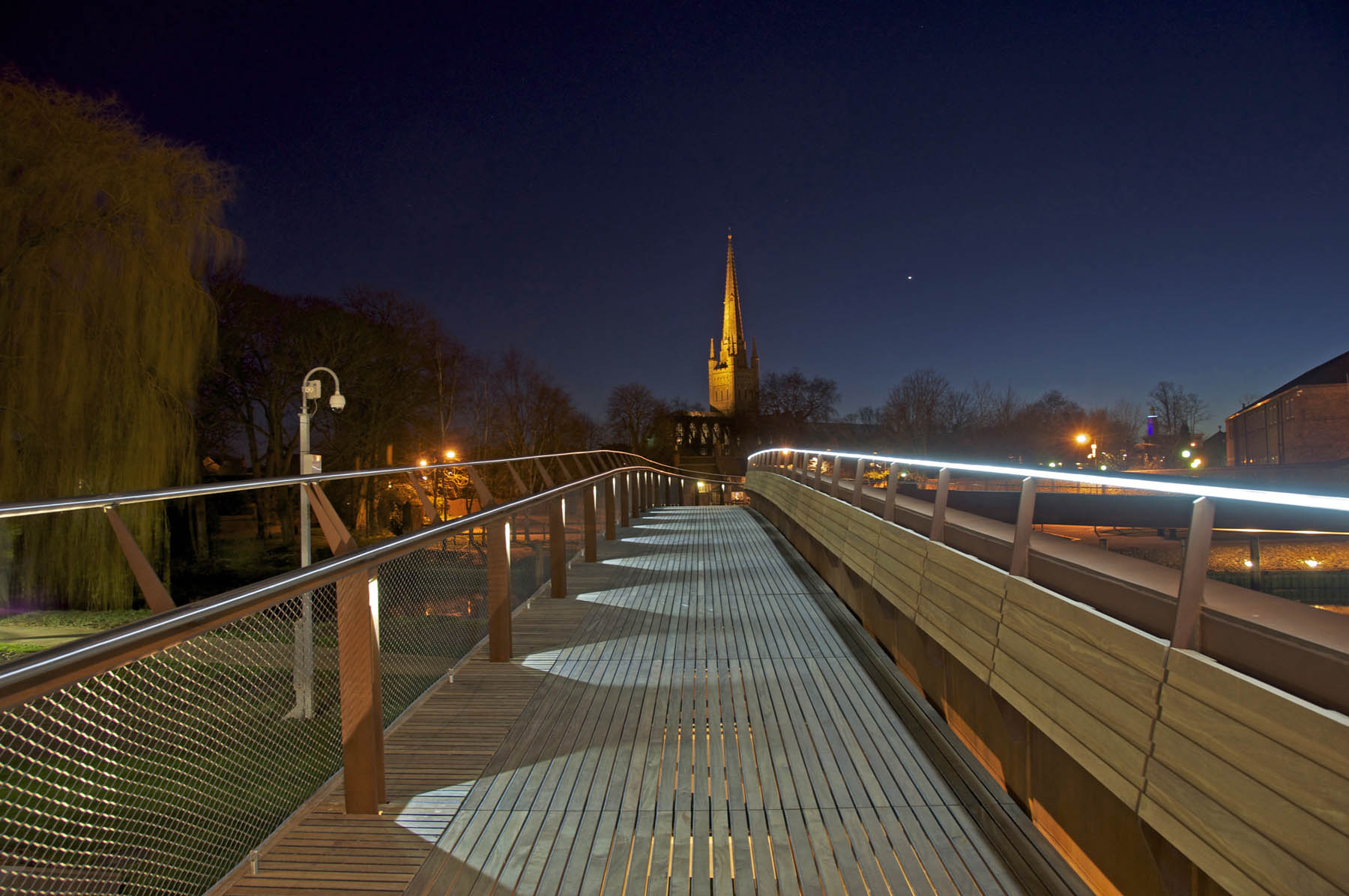 Jarrold Bridge Norwich - Architectural Lighting for Bridges & Walkways